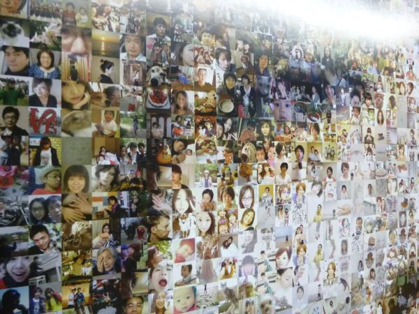 フォトモザイクには、収録曲を投票したファンの写真が全て使用されている。