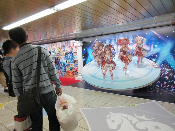 4. アイドルキャラクターの立体パネル展示(壁面部左側から4番目エリア)